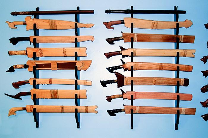 7 sword wooden sword rack wall mount